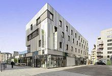 Budova hotelu v moderním stylu