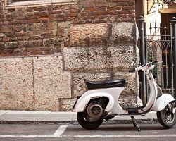Ulice v Římě mají malebný ráz
