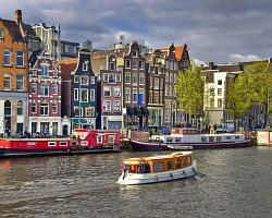 Typické domy v Amsterdamu