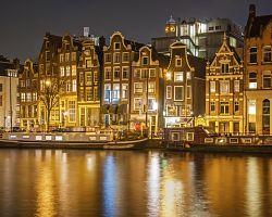 Okouzlující večerní Amsterdam