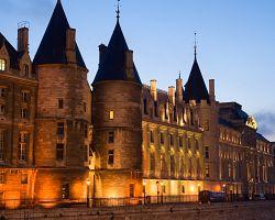 Palác a vězení La Conciergerie