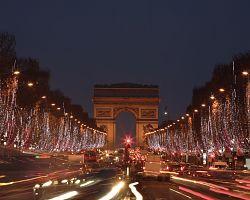 Vánoční bulvár Champs-Élysées