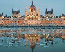 Dominantou Budapešti je parlament