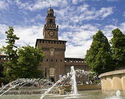 Věhlasná pevnost Castello Sforzesco
