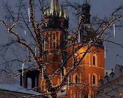 Kostel Panny Marie v adventním čase