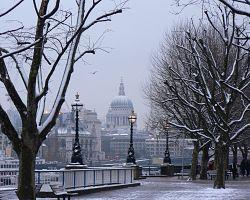 Kouzlo zasněženého Londýna