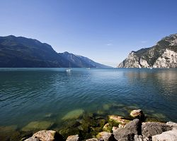 Kouzelná jezerní scenérie