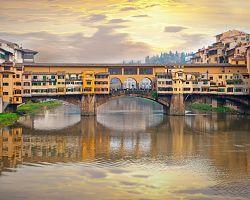 Slavný most Ponte Vecchio