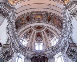 Navštivte honosné interiéry kostelů