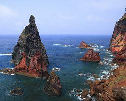 Divoké pobřeží Atlantického oceánu
