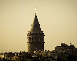 Galatská věž při západu slunce