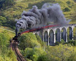 Slavný viadukt Glenfinnan