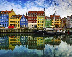 Kanál Nyhavn s barevnými domky