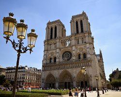 Katedrála Notre-Dame v plné kráse