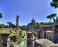 Impozantní Forum Romanum