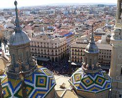 Pohled z věže baziliky del Pilar