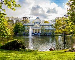 Křišťálový palác v parku Retiro v Madridu