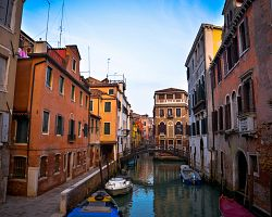 Půvabné uličky Benátek