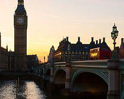 Pohled na proslulý Big Ben v Londýně