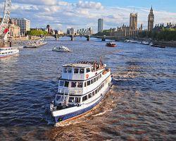 Projížďka lodí po řece Temži