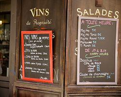 Lákavá nabídka jedné z pařížských restaurací