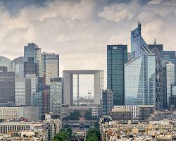 Moderní městská čtvrť La Défense