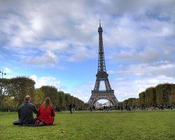 Užijte si piknik s nepřekonatelným výhledem na Eiffelovu věž