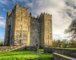 Hrad ve vesničce Bunratty