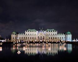Vánočně vyzdobený Belvedere, palác Evžena Savojského.