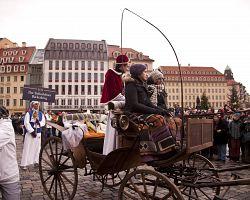V Drážďanech se tradičně konají oslavy na počest symbolu města, drážďanské štoly.