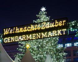 Vánoční trhy na  Gendarmenmarkt.