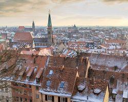 Pohled na zasněžené město