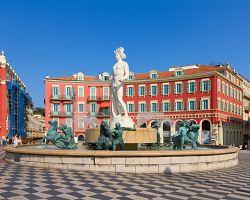 Kouzelné náměstí Masséna je centrem Nice