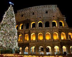 Vánoční strom před římským Koloseem