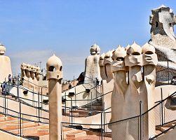 Originální střecha Gaudího stavby La Pedrera