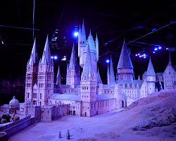 Model Bradavické školy ve studiích Warner Bros.