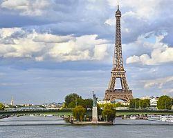 Pařížská verze slavné Sochy svobody