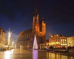 Hlavní náměstí před kostelem Nanebevzetí Panny Marie