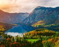 Pohled na jezero Bohinj