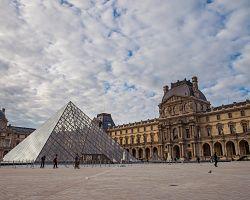 Světoznámé muzeum Louvre