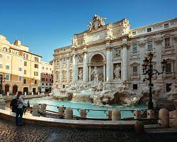 Přijďte si hodit minci do slavné Fontany di Trevi
