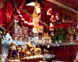 Suvenýry na vánočních trzích