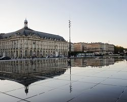 Burzovní náměstí v Bordeuax