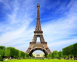 Eiffelova věž a Martova pole