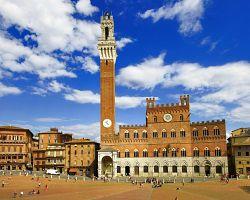 Palazzo Publico na náměstí Campo ve Sieně