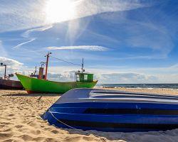 Rybářské loďky ve městě Medzizdroje