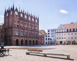Úchvatná radnice ve Stralsundu