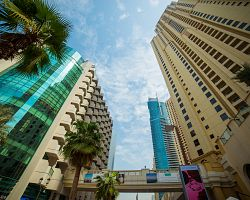 Mrakodrapy ve čtvrti Dubai Marina