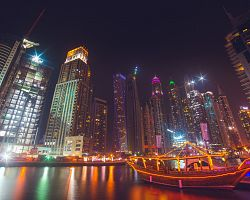 Okouzlující noční Dubaj