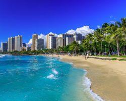Panorama Honolulu se všudypřítomnými plážemi